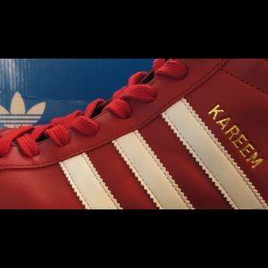 adidas Shoes Kareem Abdul Jabbar Hi Topper Rød Størrelse 105 Sjeldne  Kareem Abdul Jabbar Hi Tops Red Size 105 Rare